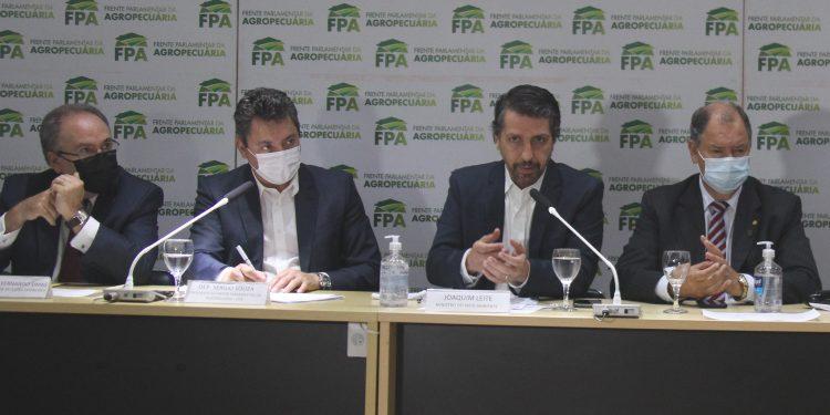 51555071120 477032ded6 o copiar 750x375 - Ministro do Meio Ambiente ressalta que o Brasil tem como meta até 2030 reduzir em 43% as emissões de gases de efeito estufa